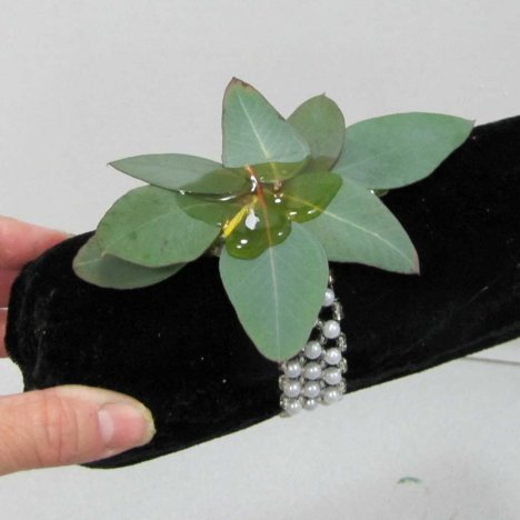 how to make corsages with real flowers