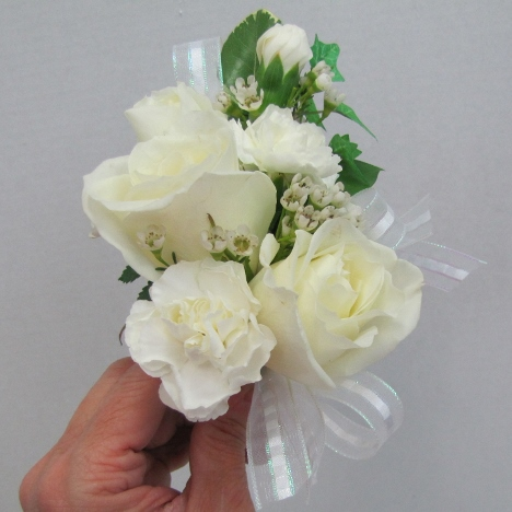How to make a flower corsage free wedding tutorials how to make a flower corsage mightylinksfo