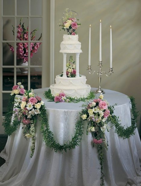 decorating wedding cake table wedding cake table decoration easy diy flower tutorials 13419
